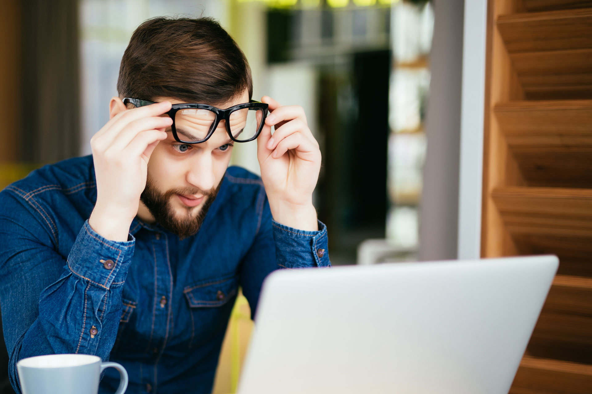 54bbd8b939 ¿Problemas de visión a pesar de tener un par de gafas nuevas?